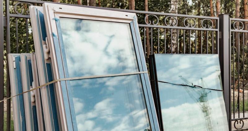 ablak beépítésre váró elemek